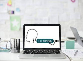 فاعلية التعلم عبر الانترنت المعتمد على التصميم
