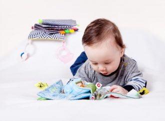 العلاقة بين عمر الطفل وتطوّر الدماغ