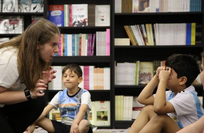 كيف للمعلمين أن يكونوا رواة قصص؟