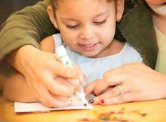 كيف نعزز ثقافة الامتنان عند الأطفال